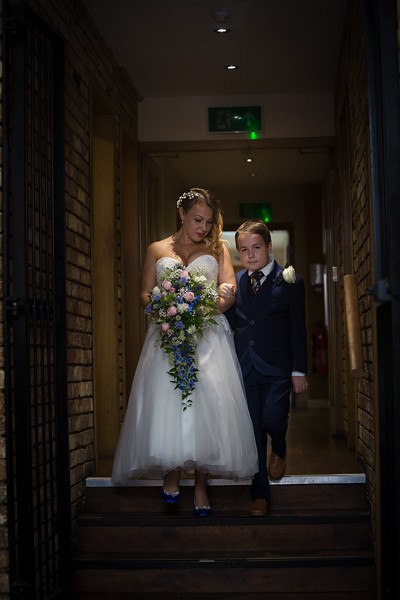 Sam_and_Louisa_wedding_great_hallingbury_manor_hotel_ben_savell_photography-0043.jpg