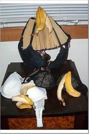 Banana Visits Newport