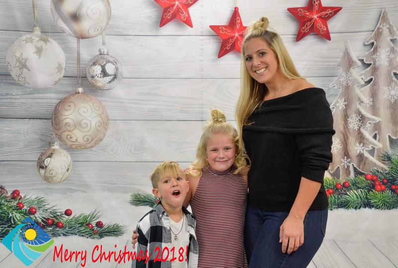 Christmas Photobooth 2018-064_01-2.jpg