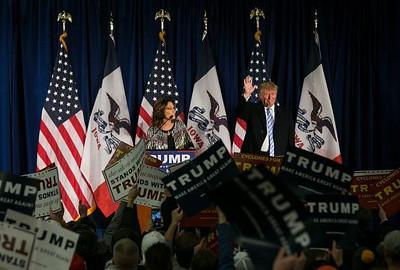 palin_Trump_endorsement_2016.jpg