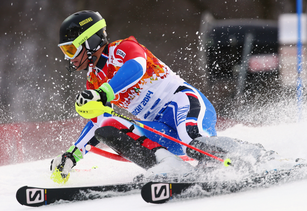. France\'s Alexis Pinturault skis during the first run of the men\'s slalom at the Sochi 2014 Winter Olympics, Saturday, Feb. 22, 2014, in Krasnaya Polyana, Russia.(AP Photo/Alessandro Trovati)