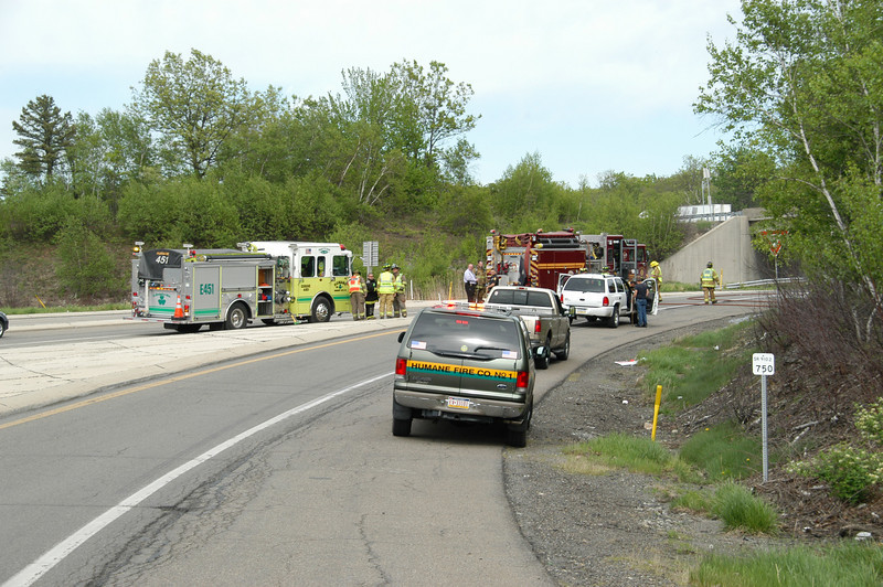 mahanoy township vehicle fire 5-7-2010 001.JPG
