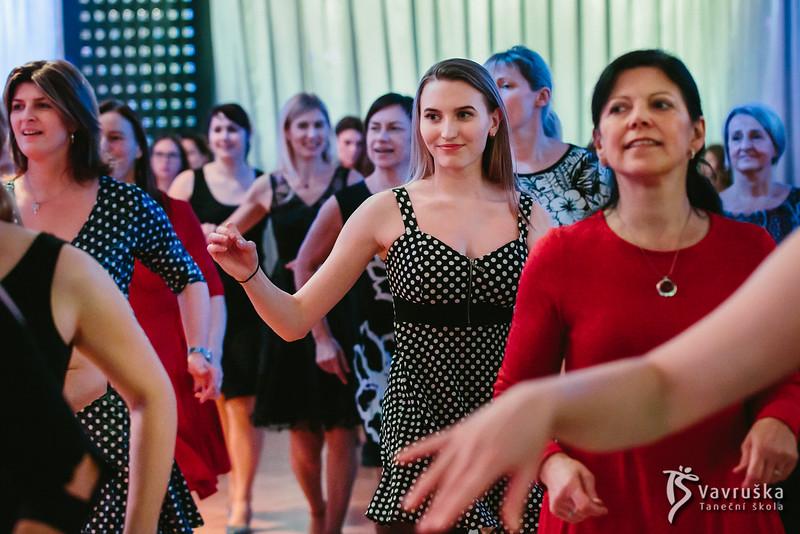 20191210-193546_0282-ladies-night-vavruska-charitas.jpg