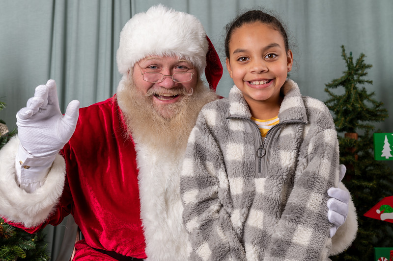 Foundations Therapy Santa 2019-7.jpg