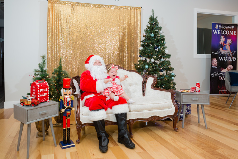 FADS Picture with Santa-319.jpg