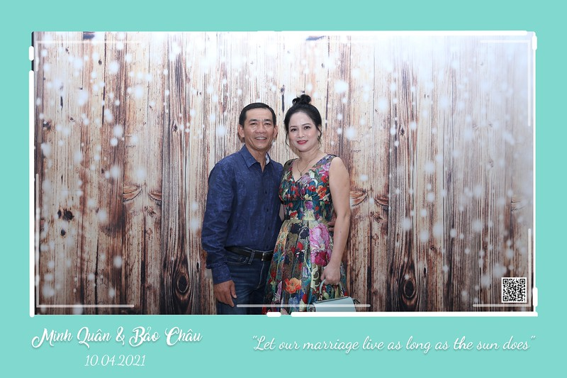 QC-wedding-instant-print-photobooth-Chup-hinh-lay-lien-in-anh-lay-ngay-Tiec-cuoi-WefieBox-Photobooth-Vietnam-cho-thue-photo-booth-095.jpg