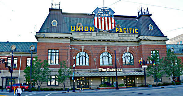 Thur., May 11, 2017 ~~ Union Pacific RR & downtown Salt Lake City