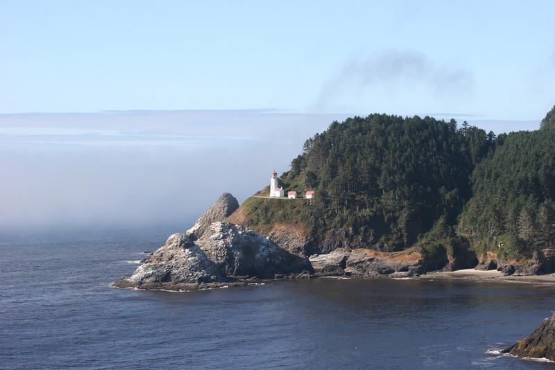 Yakahma Lighthouse and view of coast - Newport, Oregon