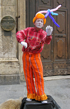 Mime on Corso Vannucci in Perugia, Italy