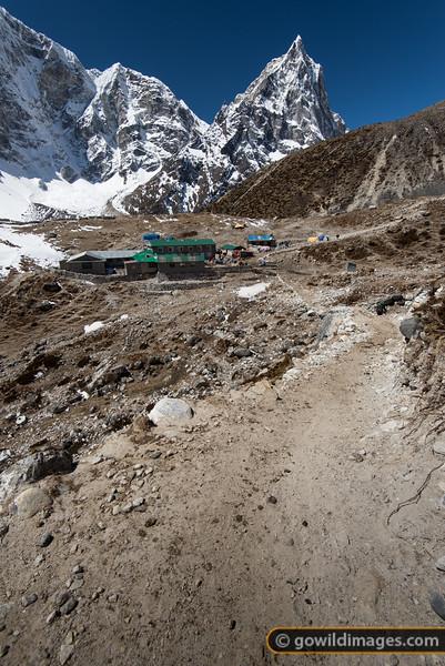 Dughla lodges at 4600m.