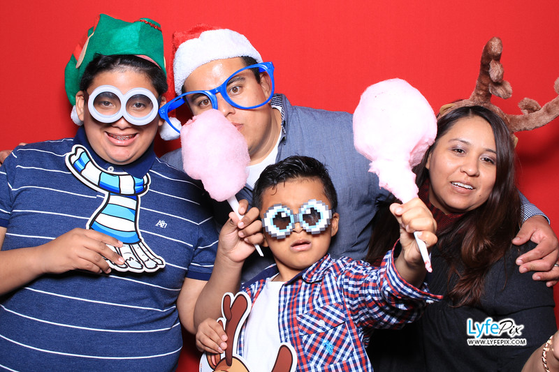 eastern-2018-holiday-party-sterling-virginia-photo-booth-1-2.jpg