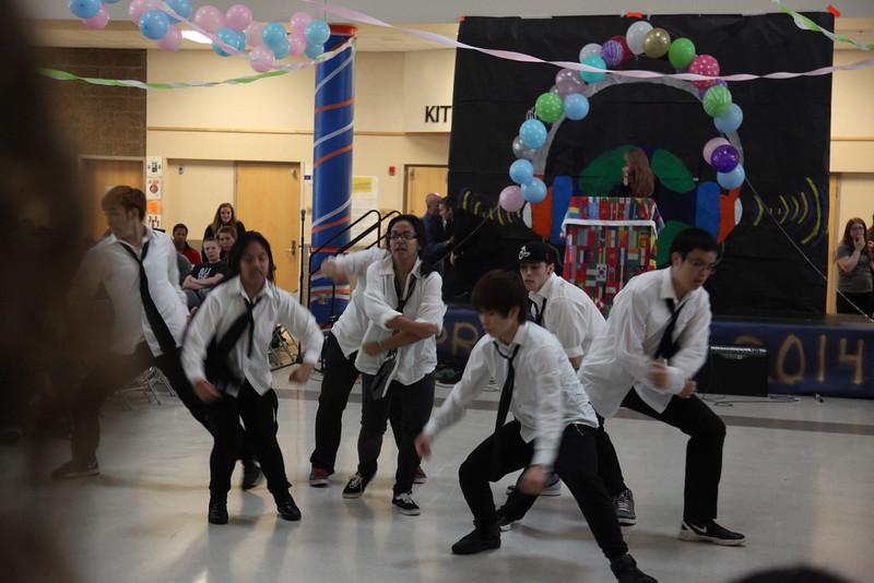 2014-05-23 AMHS Multi-Cultural Fair Assembly 073.JPG