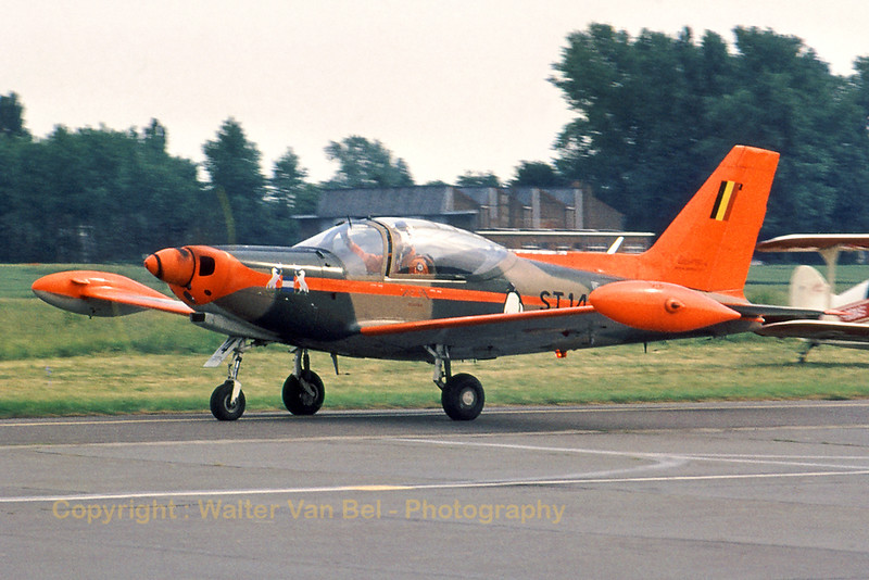 BAF_SF260M_ST-14_Swallows_Goetsenhoven_1976_EBTN_scan20070501_WVB_1200px.jpg