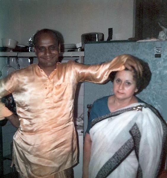 423_Guru & Sudha Miramar Cntr 1968.jpg
