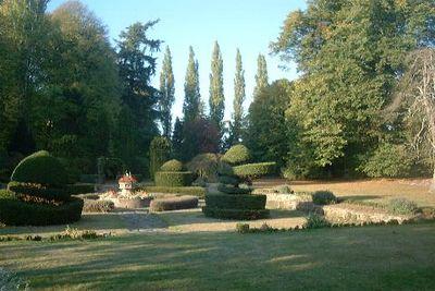 weddings_ian_and_lorraine_garden_1.jpg