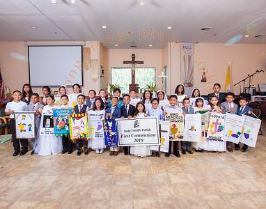 2019 1st Holy Communion  Group Photo: 10AM