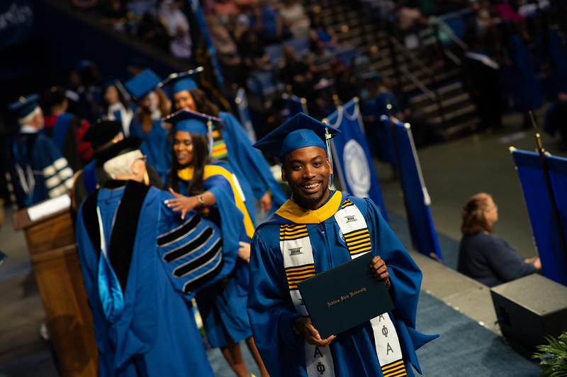 May 12, 2018 commencement -1059.jpg