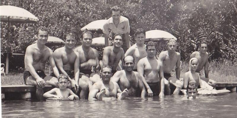 piscina empregados.jpg