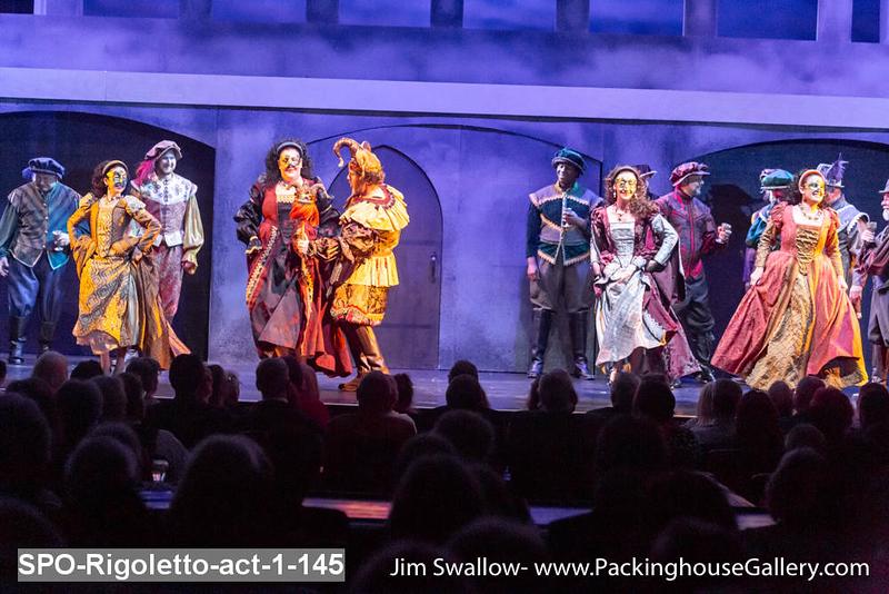 SPO-Rigoletto-act-1-145.jpg