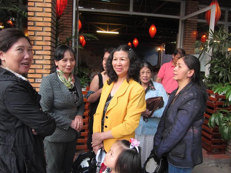Châu Ngọc Lan, Kim Liên, Lưu Thị Hồng,Luơng Xuân Yến, Văn Công Nam