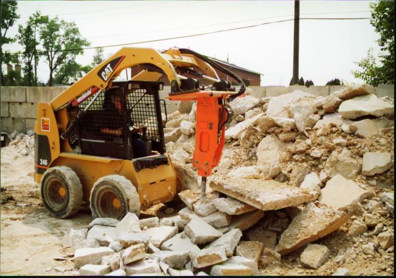 NPK E203 hydraulic hammer on Cat skid steer (Carr Bros 7-23-01) (3).JPG
