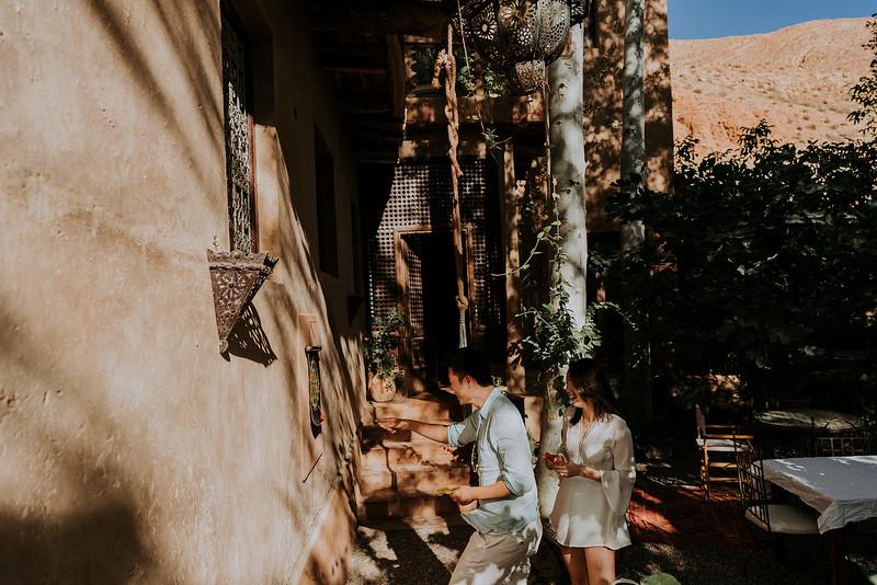 Tu-Nguyen-Destination-Wedding-Photographer-Morocco-Videographer-Sahara-Elopement-149.jpg