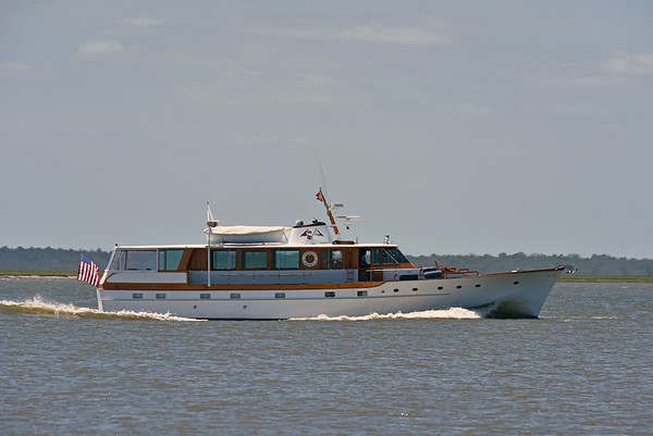 "Trumpy Yacht ""America"" 05-03-18"