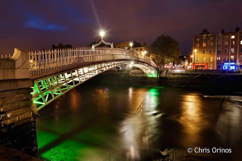 Dublin | Ireland The beautifully lit Ha'penny bridge