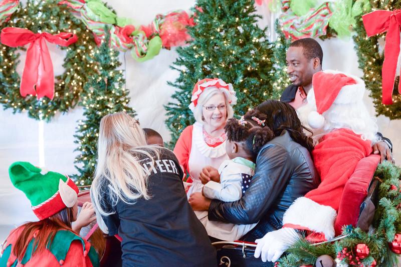 2014-12-24 Creekwood Christmas 003.jpg