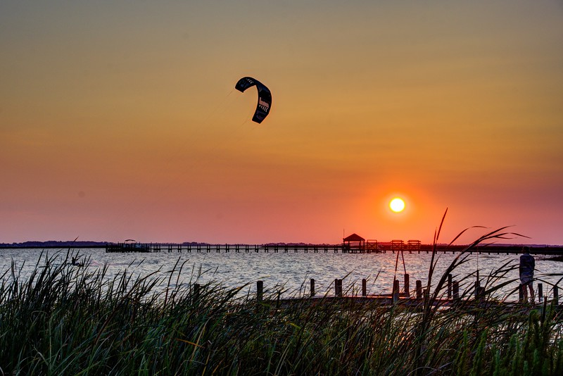 Sunset-Kite-flyer5-Corolla-Beechnut-Photos-rjduff.jpg