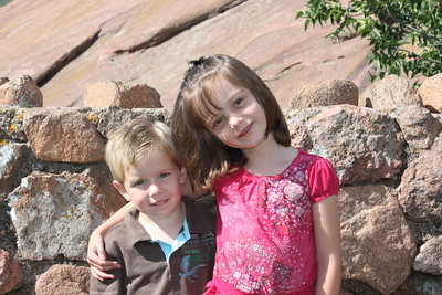 Annual photo shoot Kailin 6 and Quinn 4 at Redrocks