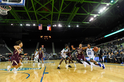 120518 Islanders Men's Basketball vs Texas State Bobcats