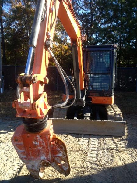 NPK K4JR demolition shear on mini excavator (1).JPG