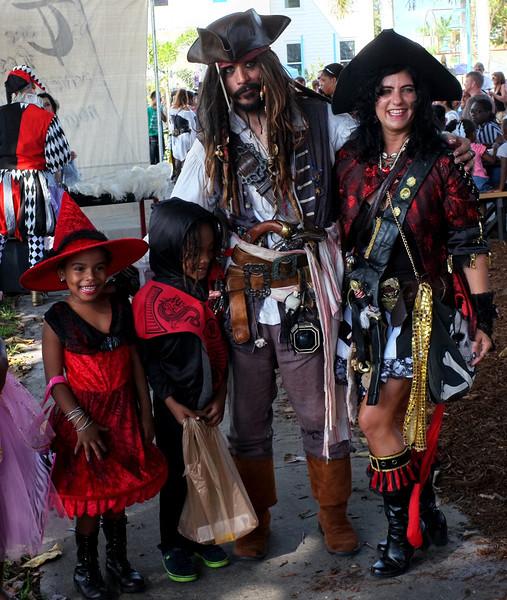 Pirate Couple 2.jpg