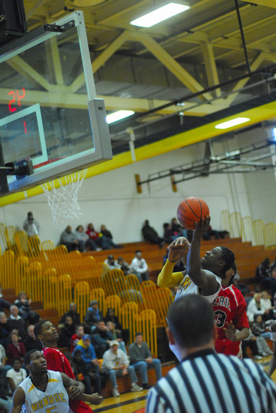20090301_MCC Basketball_5643.JPG