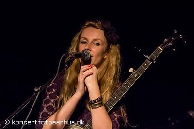 Laura Mo 15/11 2012