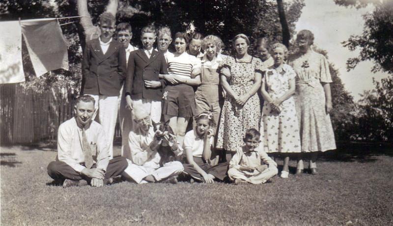 Reunion at Watertown SD 1937 B.jpg