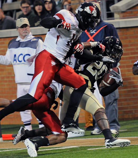 Lovell Jackson tackled.jpg