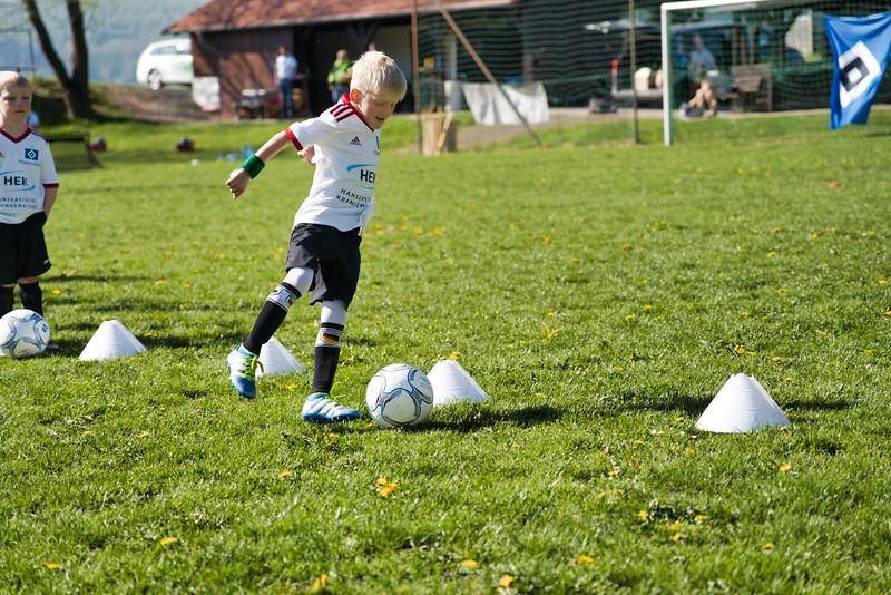 hsv-fussballschule---wochendendcamp-hannm-am-22-und-23042019-u46_40764451443_o.jpg