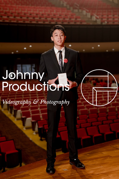 0064_day 1_award_red show 2019_johnnyproductions.jpg