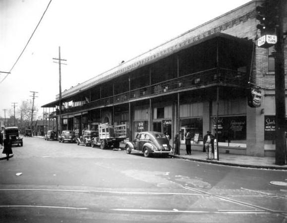 Davis St Commercial - State St 1941.jpg