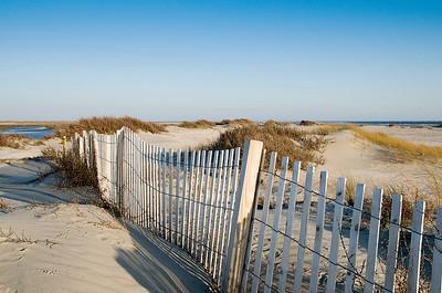 _DSC3259_beach_fence