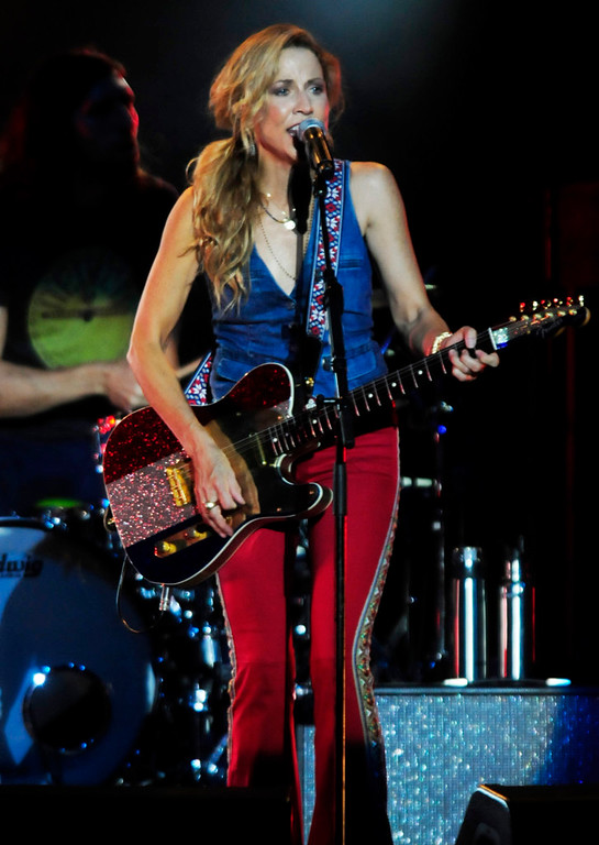 ". Sheryl Crow entertains the crowd with  ""All I Wanna\"" at the Minnesota State Fair Grandstand. (Pioneer Press: Scott Takushi)"