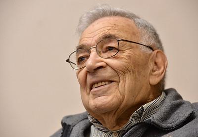 WW II combat veteran Ed Gitlin shares his war experiences
