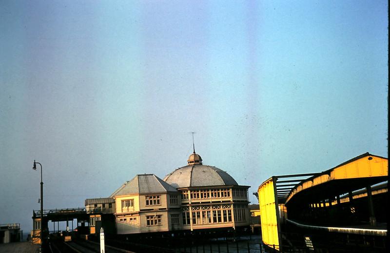 1959-3-17 Ryde Pier, Isle of Whight.JPG
