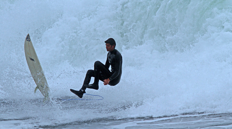 WB~surfwipeouttallboyA1600.jpg