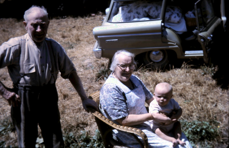 1966-1-6 (15) Susan 5 mths with Grandpa & Grandma.JPG