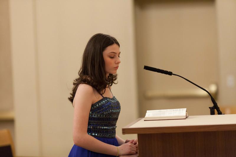 Hannah in Temple-6746.jpg