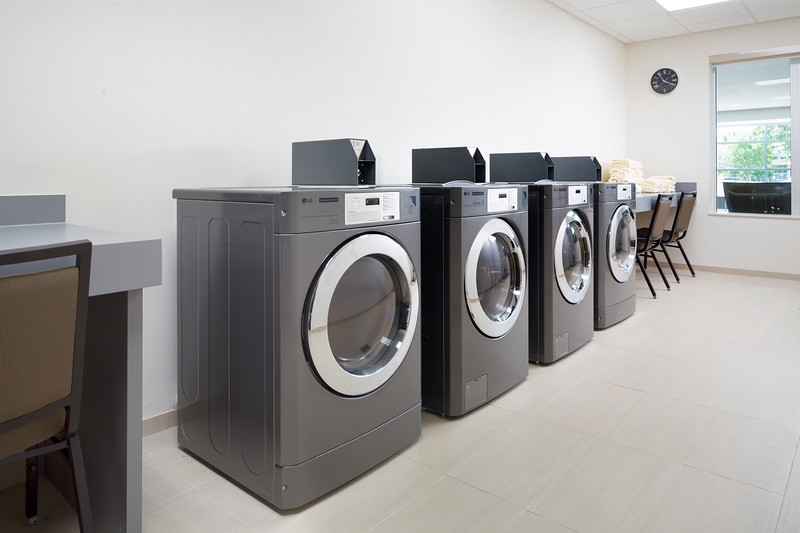 33-Guest Laundry-HH Frisco.jpg