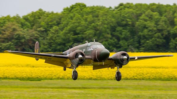 F-AZEJ - Beech E18S
